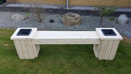 2x4 planter bench