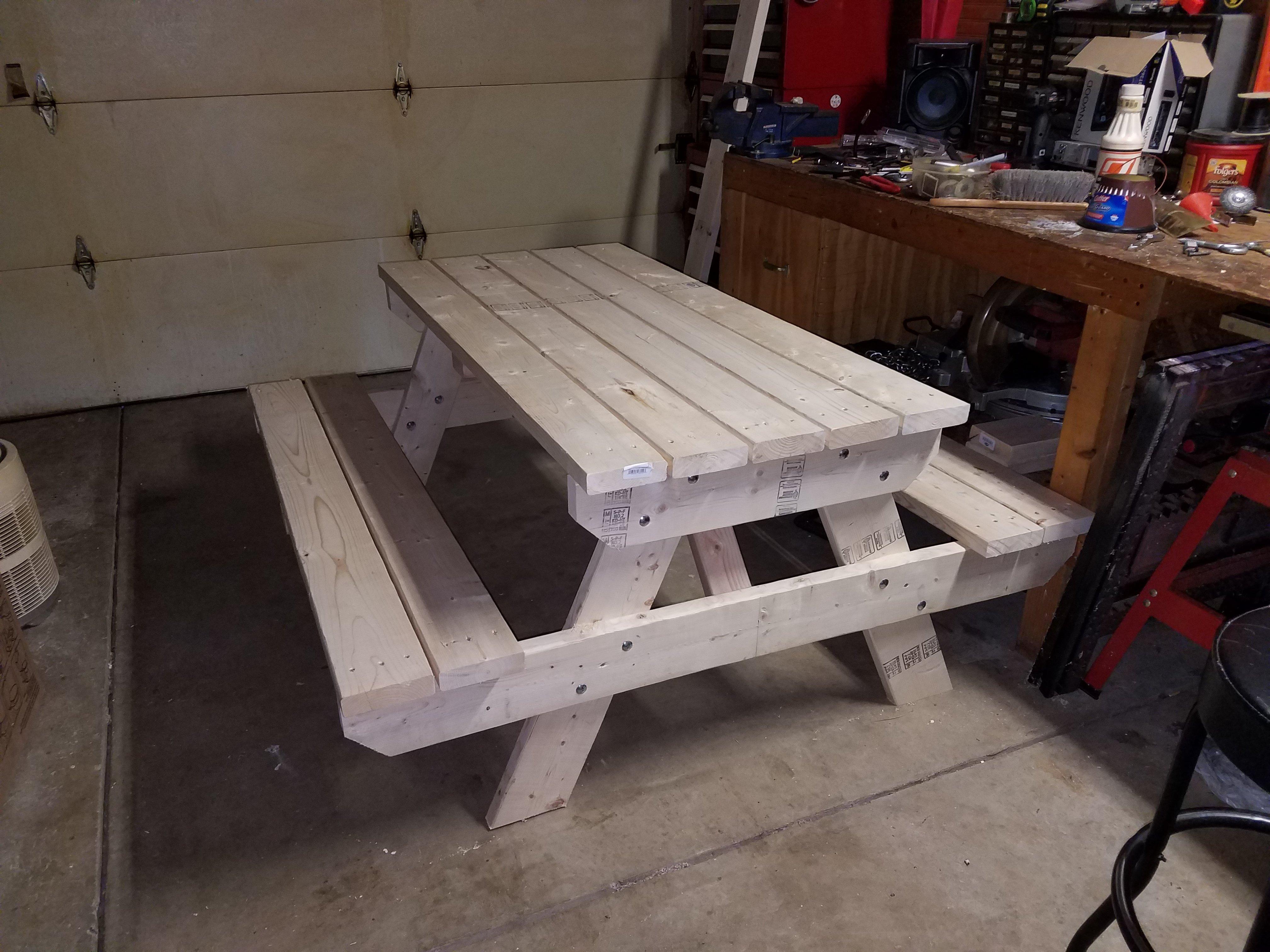 Traditional Picnic Table Plans Construct - Popular mechanics picnic table